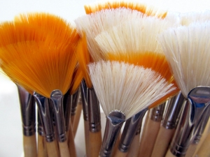 Artistic Painting Brush Display